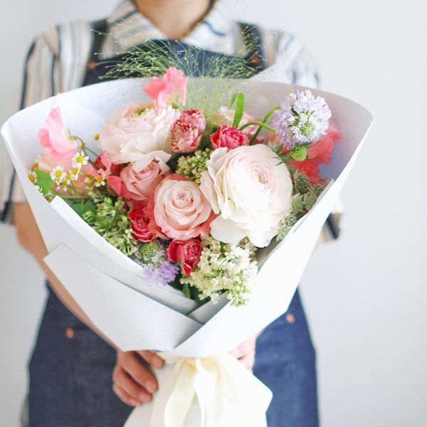 sorry messages for girlfriend with wonderful bouquet