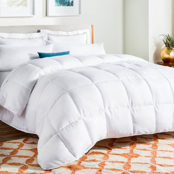 LINENSPA All-Season White Comforter
